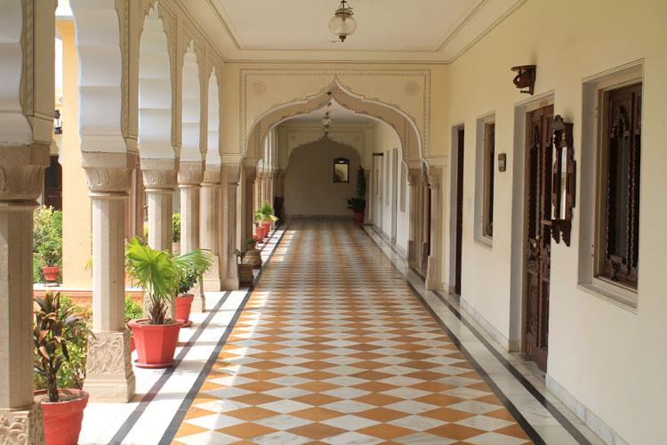 amar-mahal-orchha