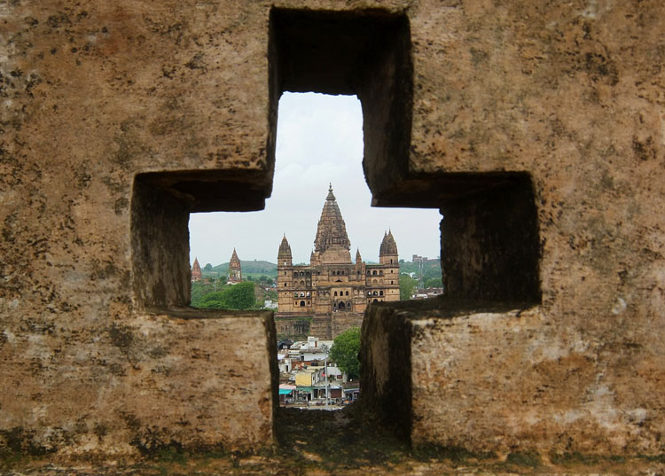 orchha-temple-view