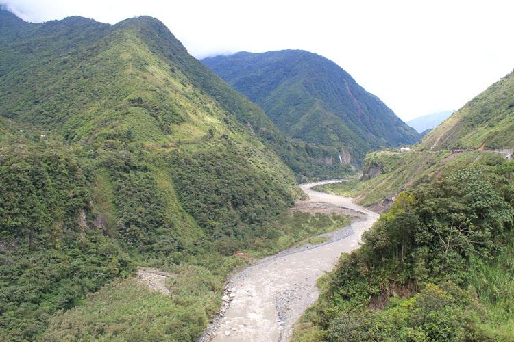 banos-ecuador-scenery