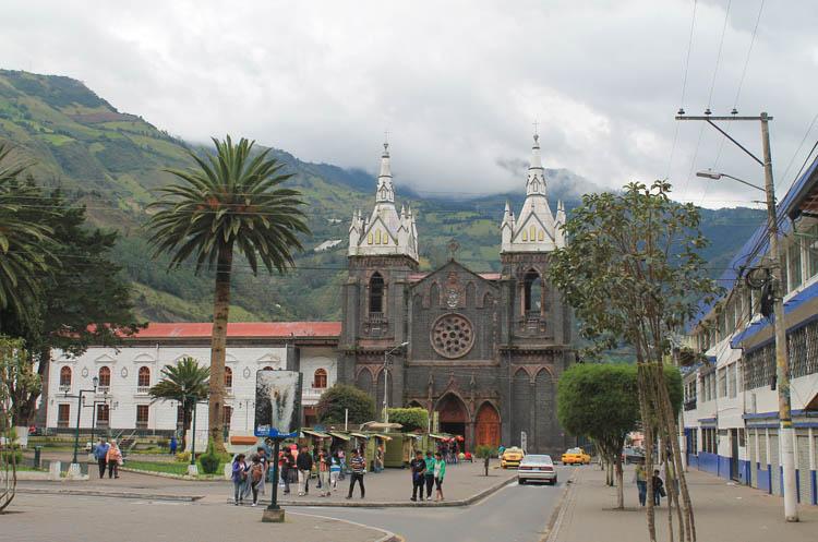 church-banos-ecuador