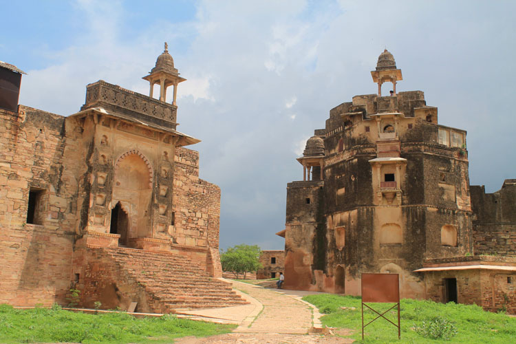 gwalior-fort-ruins-india