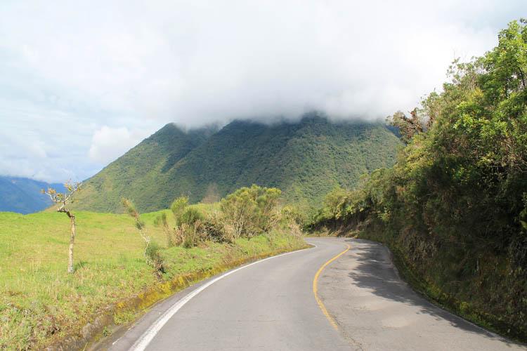 hiking-banos-ecuador