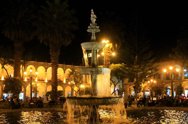 plaza-de-armas-arequipa-at-night