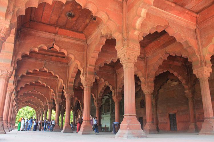 red-fort-delhi-interior