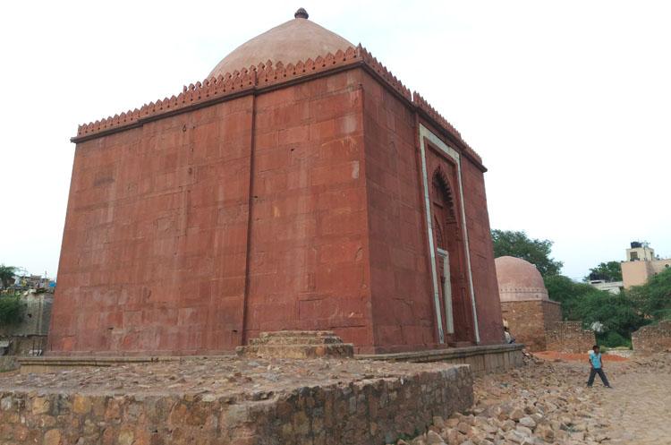 ruins-pancheel-park-delhi