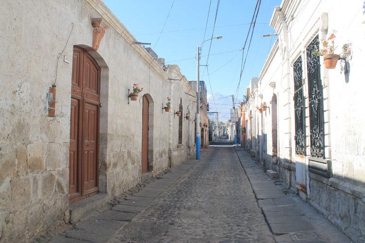 white-buildings-arequipa-peru