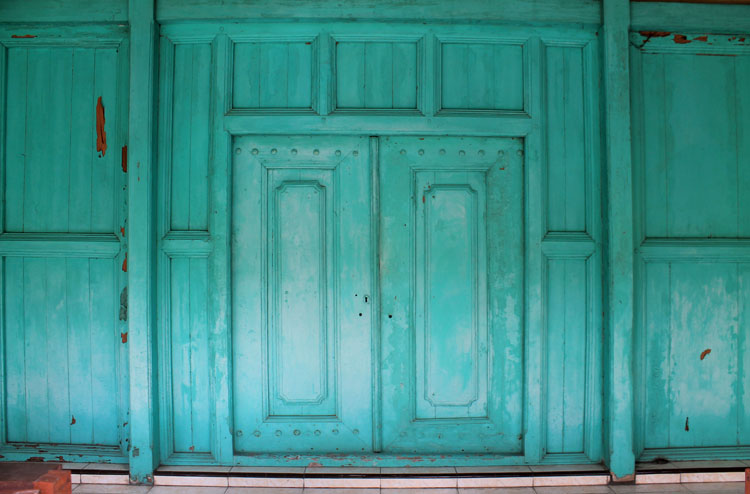 old-door-jogjakarta