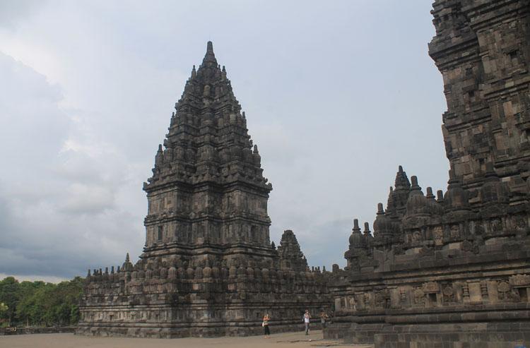 temples-jogja-prambanan