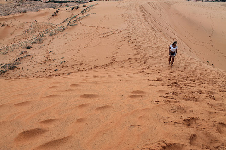The Mui Ne sand dunes tour, Vietnam: Walking up the Red Dunes