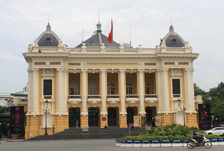 Things to do in Hanoi, Vietnam -- colonial architecture