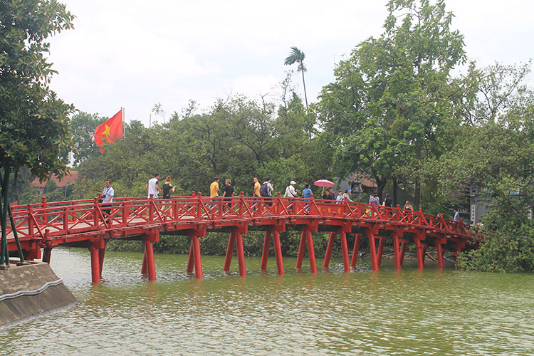 Things to do in Hanoi, Vietnam -- Hoan Kiem Lake