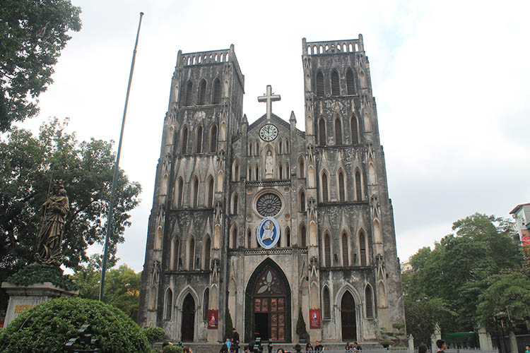 Things to do in Hanoi, Vietnam -- St Josephs Cathedral