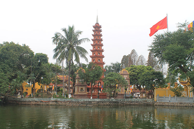 Things to do in Hanoi, Vietnam -- Trang Quoc Pagoda