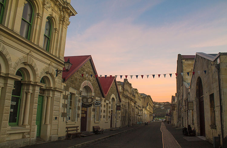 Two week New Zealand itinerary: Oamaru old town
