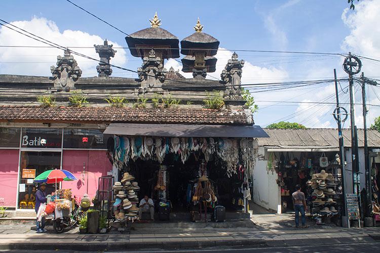 Things to do in Seminyak, Bali -- walking the streets of Seminyak
