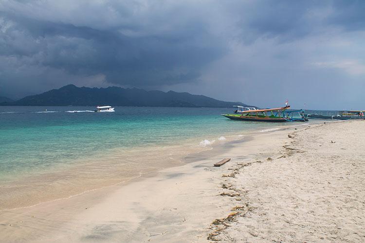 The best beaches on Gili Air, Indonesia -- near Scallywags