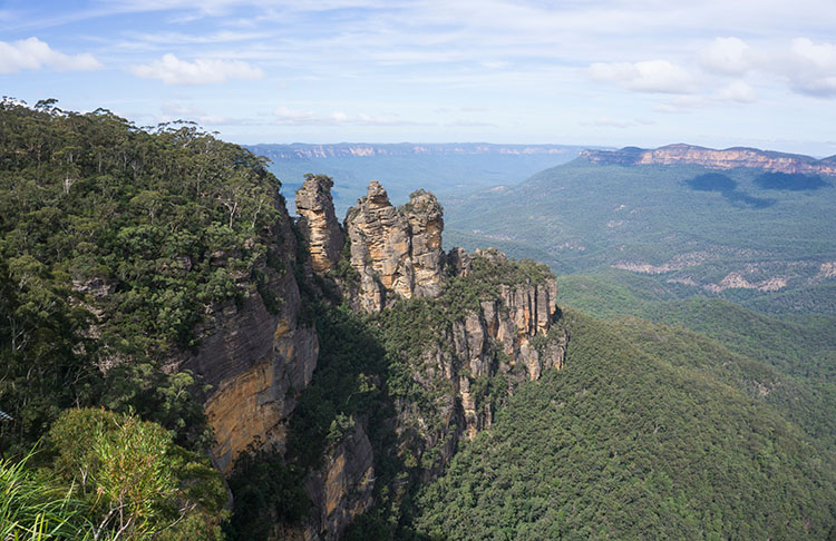 A day trip the Blue Mountains from Sydney, Australia -- the Three Sisters